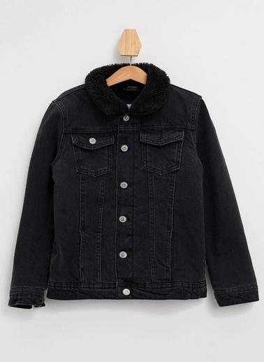DeFacto Yakası Kürk Detaylı Ceket Siyah